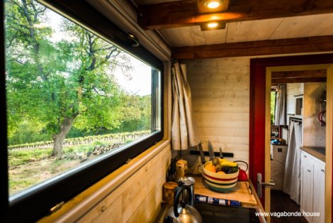 view-kitchen-tiny-house-vagabonde-house